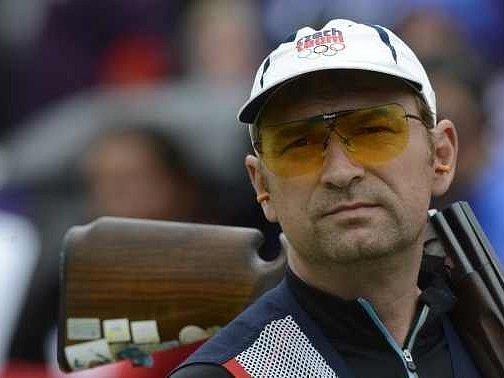 Český střelec Jan Sychra se chystá oslavit šesté místo volympijském závodě.