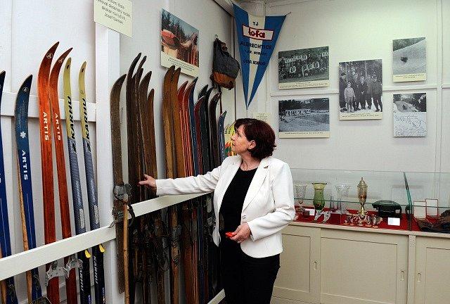 Olympijská medailistka Gabriela Svobodová Soukalová se zúčastnila v Muzeu výroby hraček v Jiřetíně pod Bukovou na Jablonecku slavnostního otevření expozice věnované Rudolfu Burkertovi, prvnímu československému medailistovi ze zimních olympijských her.