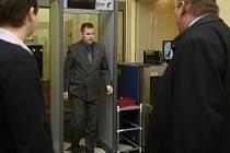 Policista Karel Kadlec se stydí a lituje toho, že v úterý v opilosti naboural 51 aut na pražských Vinohradech.