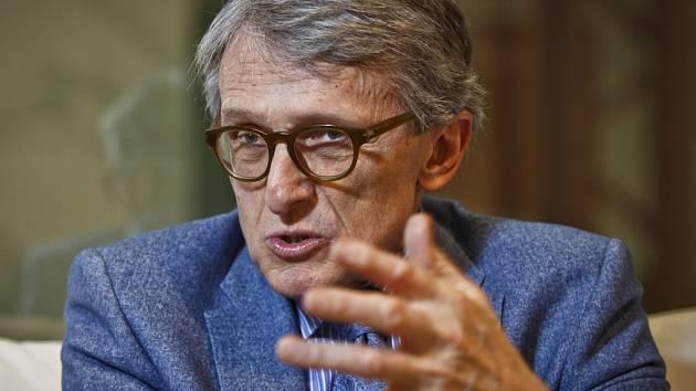 Politolog a ekonom Petr Robejšek v rozhovoru Deníku.