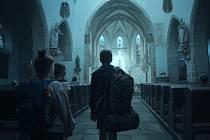 Záběry z filmu Spící město.