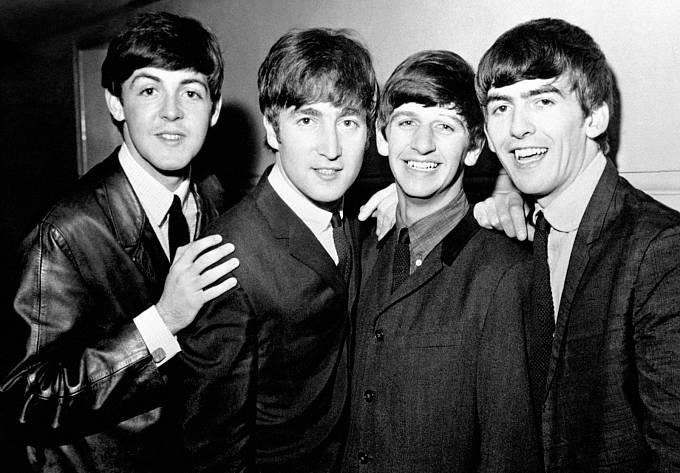 BROUCI JSOU VĚČNÍ. Jejich nejslavnější album Abbey Road už zase válcuje hitparády.