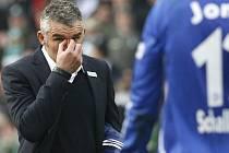 Trenér Schalke Mirko Slomka v týmu skončil.