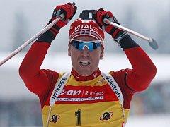 Norský biatlonista Emil Hegle Svendsen si připsal v Hochfilzenu již třetí vítězství v sezoně.