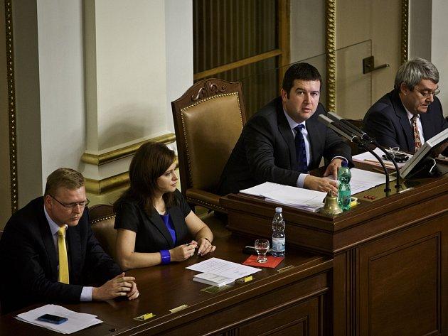 Jednání sněmovny. Jermanová, Hamáček, Bělobrádek, Filip.