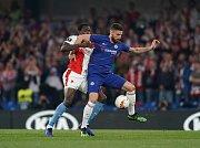 Odveta čtvrtfinále Evropské ligy mezi londýnskou Chelsea a pražskou Slavií. U míče Olivier Giroud.