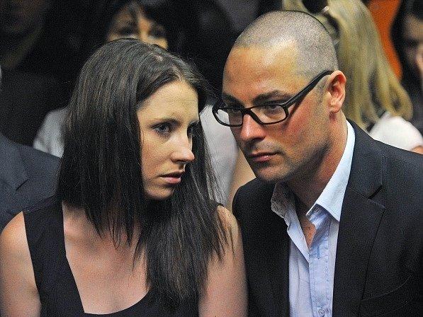 Aimee a Carl Pisoriusovi. Sestra a bratr slavného atleta