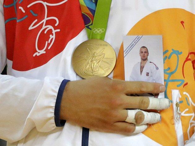 Lukáš Krpálek věnoval olympijské zlato ijudistovi Alexanderu Jurečkovi, který před rokem zemřel při potápění.