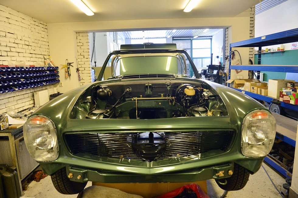 Klasická auta, vytvořená a vyrobená od konce 50. do začátku 70. let, především sporťáky – kupé, roadstery a kabriolety –, pořád uchvacují svou krásou.