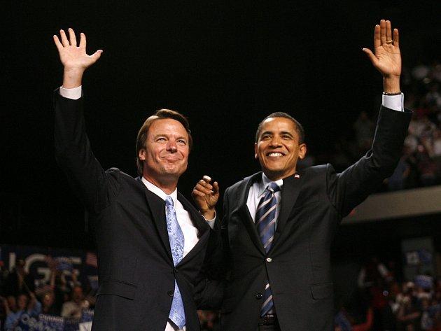 Bývalí rivalové a nyní spojenci John Edwards a Barack Obama.
