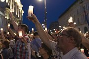 Poláci protestovali proti soudní reformě.