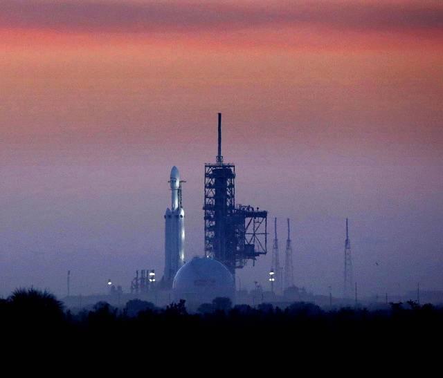 Falcon Heavy miliardáře Elona Muska odstartoval do vesmíru