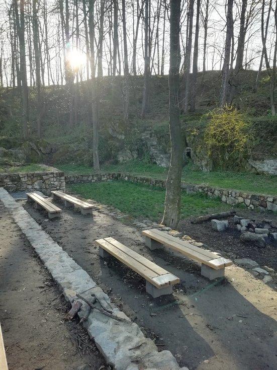 Opravené kamenné divadlo Skalky