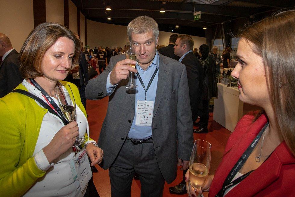 KONGRES FOR GASTRO & HOTEL. 2. ročník soutěže vydavatelství Vltava Labe Media (VLM) pro nejzajímavější gastronomické podniky.