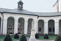 KOSTEL JMÉNA PANNY MARIE. Patří k nejcennějším památkám barokního slohu na Moravě.