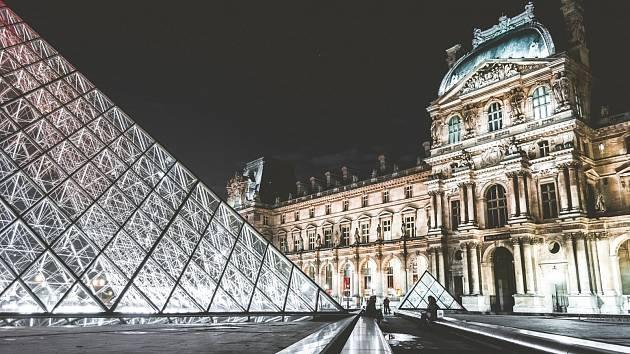 Louvre, muzeum umění v Paříži