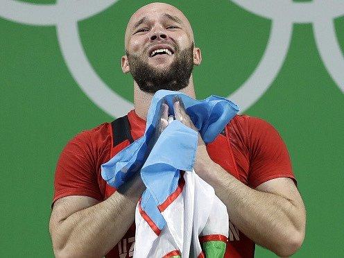 Olympijský závod vzpěračů do 105 kg vyhrál jednoznačně Uzbek Ruslan Nurudinov.