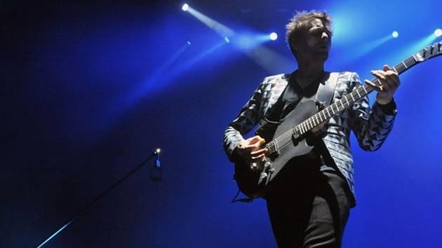 ROCKOVÁ SKUPINA v Praze. Na snímku frontman kapely Matthew Bellamy.