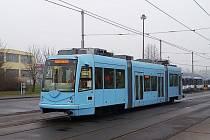 Česká firma Inekon Group otestovala v běžném provozu tramvaj na baterie a chystá sériovou výrobu.