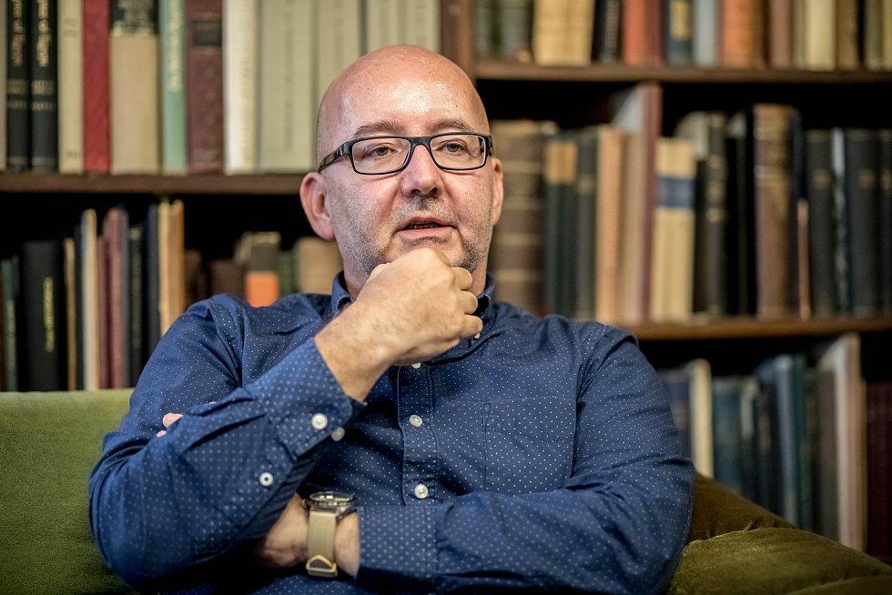 Miroslav Bárta poskytl 15. listopadu v Praze rozhovor Deníku.