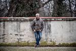 Michal Nesvadba při fotografování pro Deník 26. listopadu v Praze.