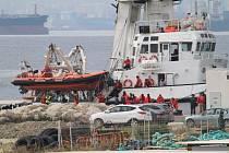 Loď organizace Proactiva Open Arms ve španělském přístavu