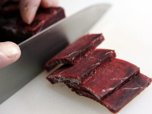 Suši z velrybího masa je pro Japonce lahůdkou.