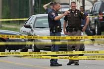 Nejméně šest lidí usmrtil v noci na dnešek střelec v americkém státě Michigan.