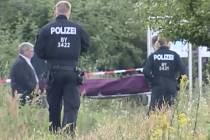 Útočník v bavorském vlaku prý volal Alláhu Akbar.