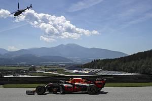 Jezdec Red Bullu Max Verstappen při tréninku na Velkou cenu Štýrska.