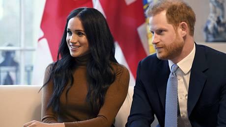 Britský princ Harry s manželkou Meghan.