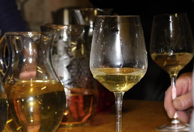 Už několik desítek let jsou největším svátkem vína ve východní části regionu Weinviertel vRakousku Vinařské slavnosti okresu Poysdorf.
