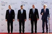 Prezidenti Polska Andrzej Duda, Maďarska János Áder, Slovenska Andrej Kiska a České republiky Miloš Zeman (zleva) se sešli 11. října 2018 na Štrbském Plese.