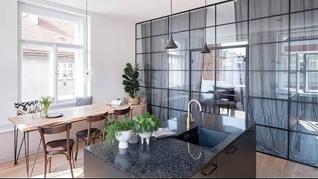 Ateliér Bárka se zaměřuje převážně na menší měřítka architektury, kromě interiérového designu se věnují například rekonstrukcím rodinných domů či návrhům zahrad