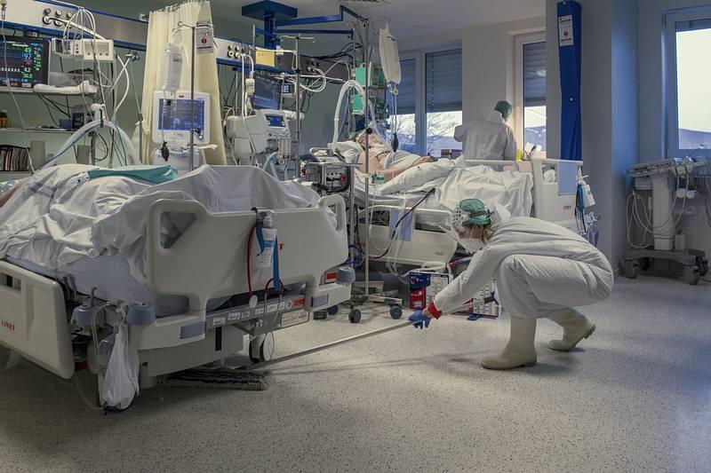 Nemocnice v době, kdy pandemie covidu v Česku řádila nejvíce