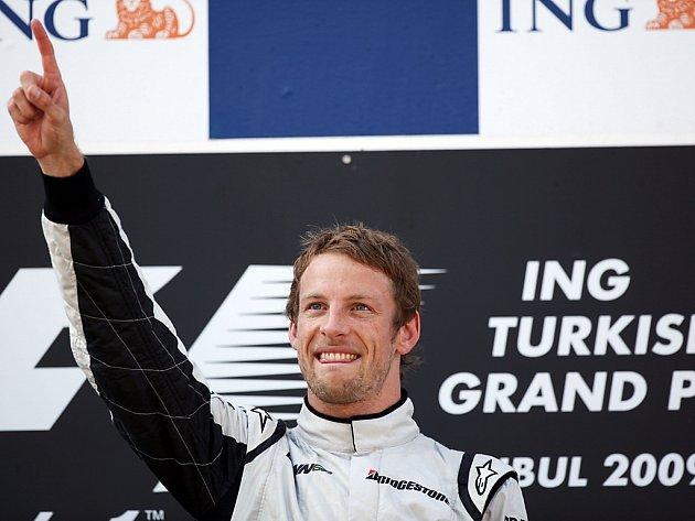 Jenson Button z Brawnu se raduje, vyhrál i v Istanbulu.
