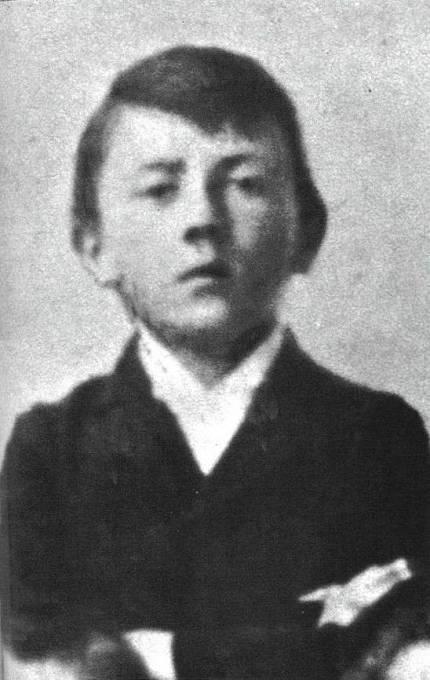 Adolf Hitler jako malý chlapec