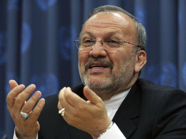 Íránský ministr zahraničí Mottakí je toho názoru, že napětí ohledně íránského jaderného programu trochu ustoupilo.