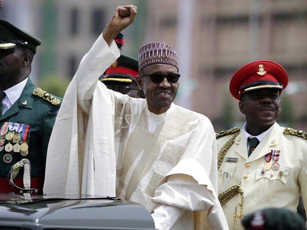 Kromě porážky šest let trvajícího povstání islamistických radikálů z Boko Haram na severovýchodě země slíbil nový nigerijský prezident Muhammadu Buhari v předvolební kampani také rozhodný boj proti korupci.
