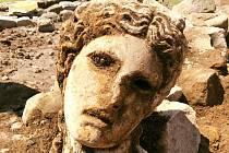 V Římě objevili mramorovou hlavu boha Dionýsa