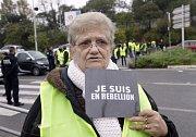Protesty proti zvyšování cen paliv v Paříži.