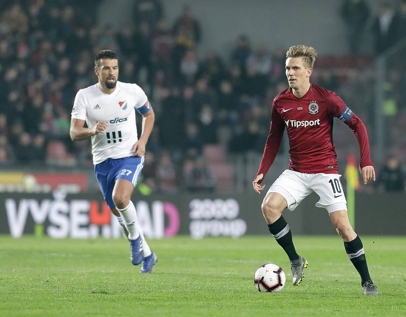 Zápas fotbalové Fortuna ligy mezi Spartou Praha a Baníkem Ostrava na Letné. Milan Baroš a Bořek Dočkal.