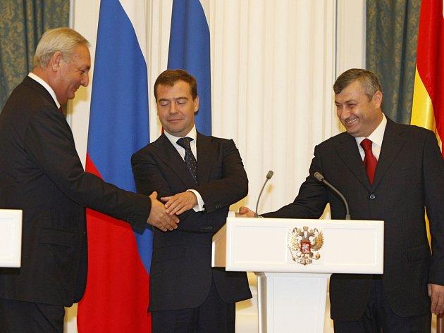 Sergej Bagapš, Dmitrij Medveděv a Eduard Kokojty