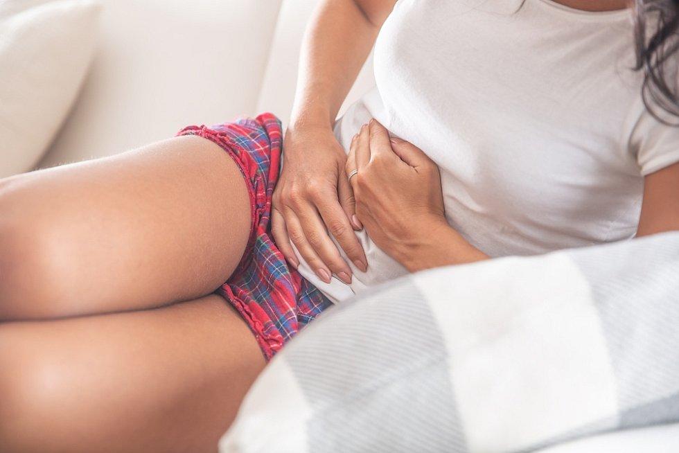 Průběh ulcerózní kolitidy je charakteristický střídáním klidných bezpříznakových období (tzv. remise) s fázemi aktivní nemoci (tzv. relaps).