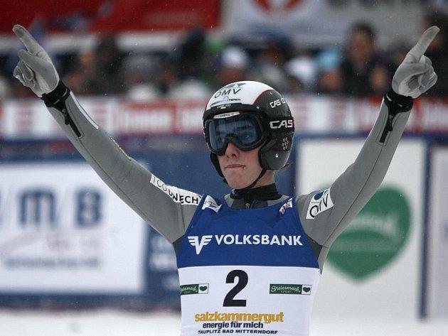 Český skokan na lyžích Antonín Hájek si v Kulmu dolétl pro čtvrté místo.
