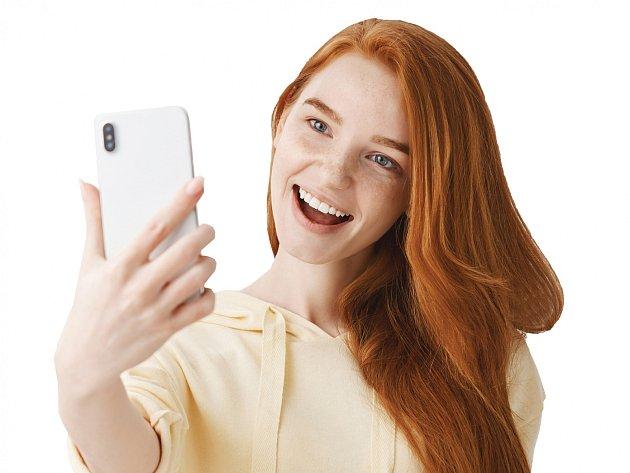 Při pořizování selfie by lidé neměli riskovat.