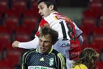 Fotbalisté Slavie si po duelu s Karvinou konečně užili pocit vítězství.