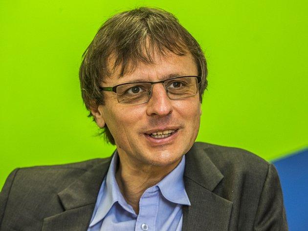 MATADOR. Jan Sochor byl jedním ze čtyř studentů, kteří v roce 1993 zakládali FIO.