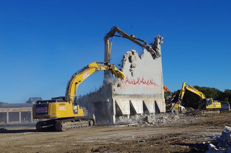 Společnost Biggest se zaměřuje na půjčování stavebních strojů a těžké techniky, ale i na zemní práce či demolice