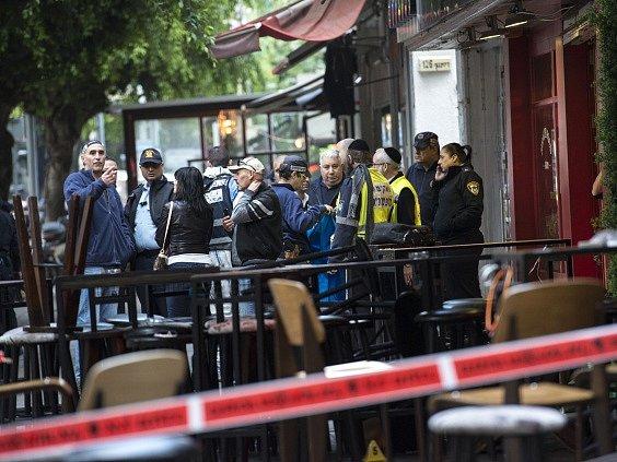 Po střelbě v Tel Avivu zemřeli dva lidé, zraněných je osm.